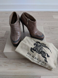 BURBERRY Taupe Quilted ankle booties, size 36  - $75.00