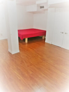 Downtown,Bloor/Euclid, basement furnished Bacholer  $1480/M
