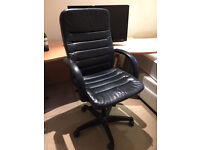 Quality Black Faux Leather Office/Computer Chair With Lift Up And Tilt Option Lever Bargain