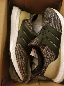 Black and gold adidas ultraboost sz 10