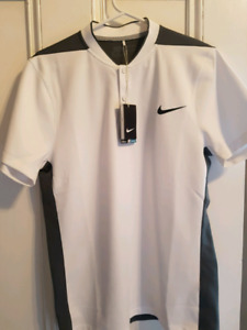 New Nike Men's Modern Fit Golf Shirt - Size Medium