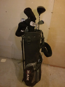 Rh golf club set in bag