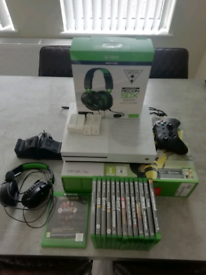 Xbox one s 500gb and extras !!
