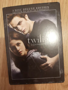 Twilight by Stephany Meyer - Books and dvd