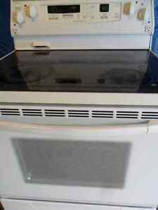 CONVECTION..SELF-CLEANING 5 Burner Smooth Top STOVE