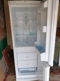 LG frost free fridge freezer excellent/super clean. Delivery
