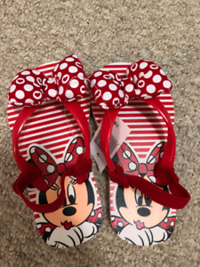 NEW: Girls Minnie Mouse Sandals