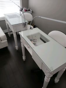 2 NAIL DESKS FOR SALE WITH LED LAMPS $100 EACH