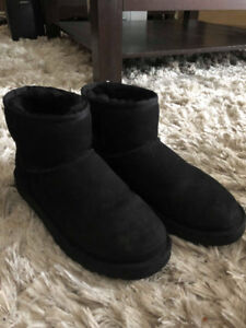 Black short uggs ugg classic mini perfect condition authentic