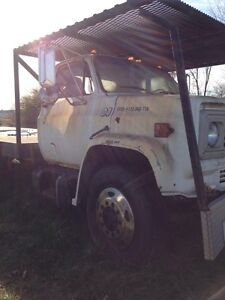 1978 GMC 6500. Parting out.  Windsor Region Ontario image 4