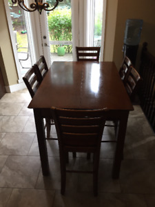 Counter Height Kitchen Table (with leaf and 8 chairs)