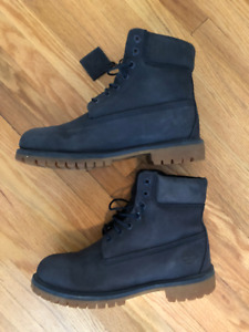 Navy Timberland - very good condition