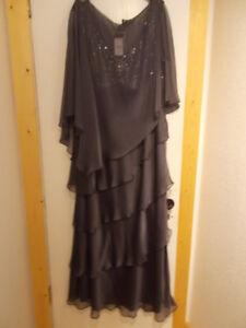 Plus 24W formal Dress
