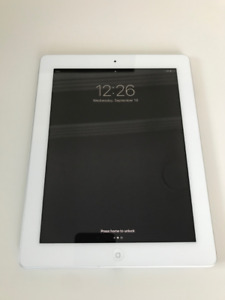 iPad (4th Gen) 16GB WiFi + Retina Display (Silver) + Accessories