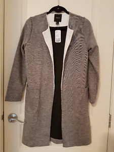 Women/Youth Clothing Lot (XS-S). STILL AVAILABLE