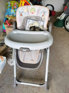Chaise haute bébé / high chair baby winnie the pooh
