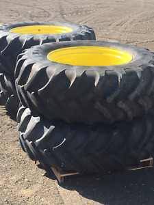 Floatation wheels and tires for John deere 4830 600/65/r38