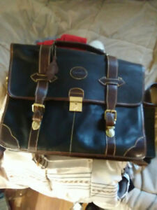 Roots leather bag good for laptop