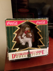 COCA-COLA 1999 POLAR BEAR WITH CUB CHRISTMAS TREE ORNAMENT