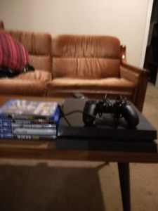 Play station4 for sale(hardly used)