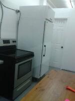 frigidaire et table de travail