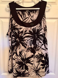 Ladies clothing in excellent shape