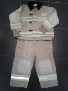 Fire Fighter costume - size 2/3