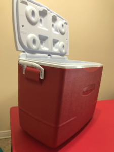 Rubbermaid Cooler for 19/- only
