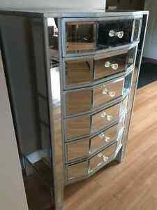 Mirrored Chest With 6 Drawers