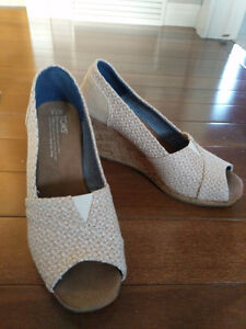 Neutral TOMS wedges
