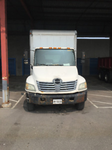 2008 HINO 268 BOX TRUCK 26FT with TAILGATE and RAMP FOR SALE