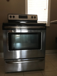 Shiny & Clean FRIGIDAIRE Electric Stove – 4 burners , 30""