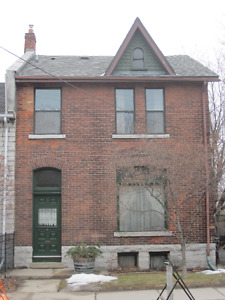 Charming Two Bedroom Downtown
