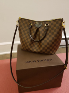 Authentic Louis Vuitton (Original receipt included) LIKE NEW