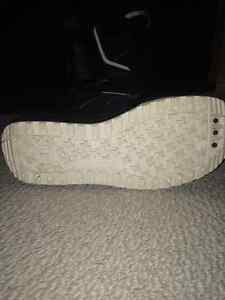 Burton Invader Boots size 9.5 London Ontario image 3