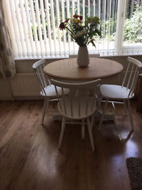 Shabby Chic Dining Table & 4 Chairs