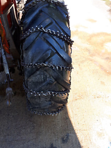 Tractor trig chains