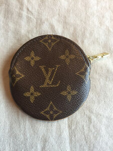 AUTHENTIC LOUIS VUITTON ROUND COIN PURSE