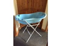 Extra large baby bath with stand