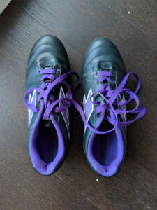 Brand New Women's Soccer Cleats Size 8