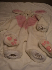 THE CUTEST BUNNY SUIT   EVER !!