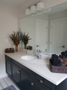 Beautiful Ancaster Home with Rooms to Rent for Students!