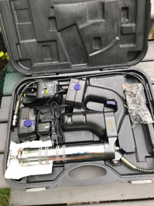 PLEWS 18V Grease Gun with 2 batteries and charger