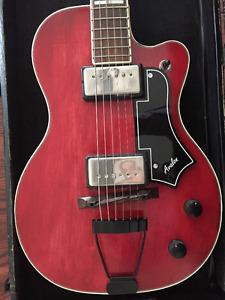 Guitare électrique National 1957, modèle Avalon,étui original
