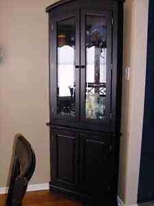 Armoire en coin - Seulement via tél. 819 843-0217