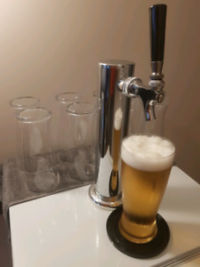 Serve beer kegs or soda at home. Perfect for parties or man cave