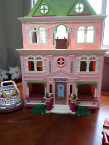 Doll House-Fisher Price Loving Family