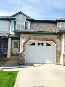 3 Bedroom Townhouse with Garage!