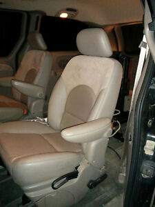 2003 Chrysler Town & Country Limit Edition Minivan London Ontario image 1