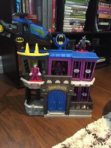 Fisher-Price Imaginext DC Super Friends Gotham City Jail Playset